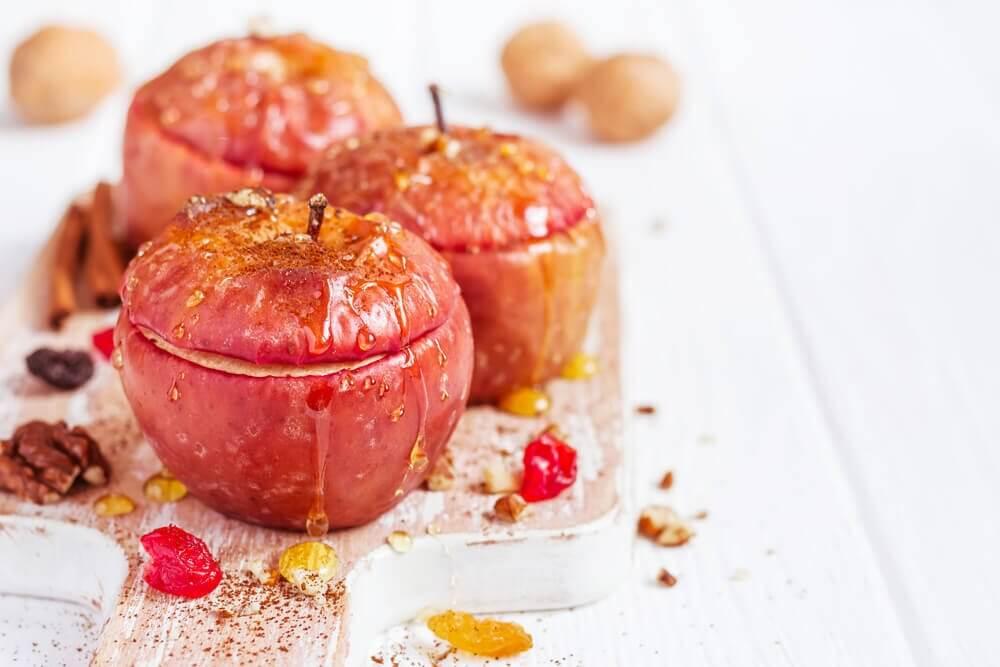Maçãs assadas, uma maneira deliciosa e diferente de prepará-las