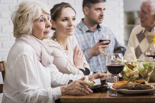 Os idosos podem depender emocionalmente dos mais jovens