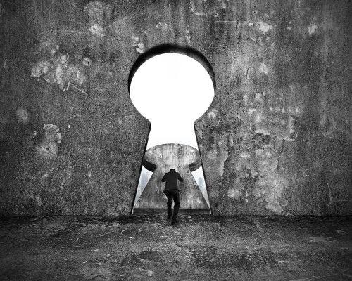 Busque a chave para se livrar da aprovação dos demais