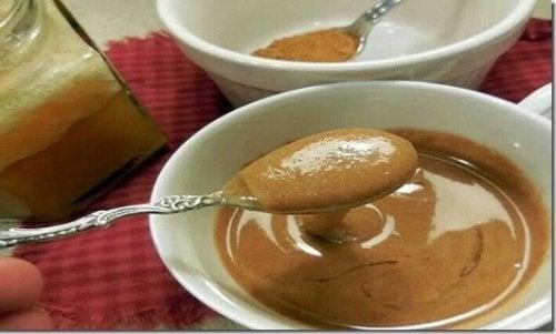 Mistura de mel e canela