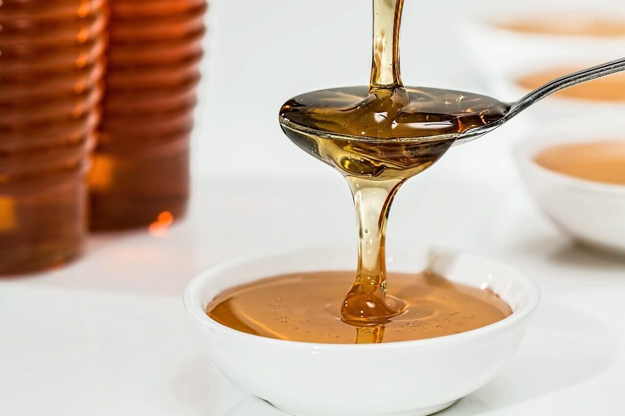 O mel ajuda a aliviar os sintomas do eczema