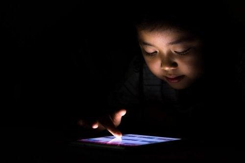 Meu filho é viciado em tablet