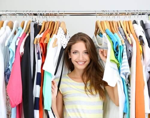 4 ideias para renovar roupas que você não usa mais