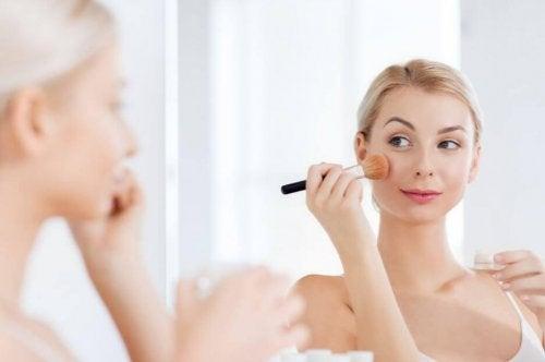 Como preparar pó facial em casa?