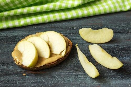 Pasta de amendoim e banana