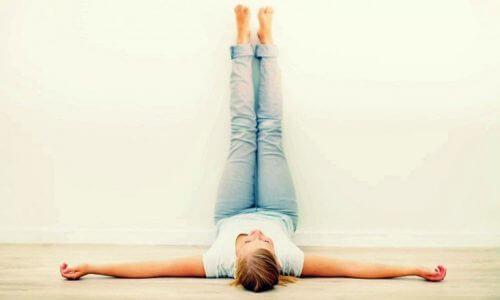 Colocar as pernas para cima
