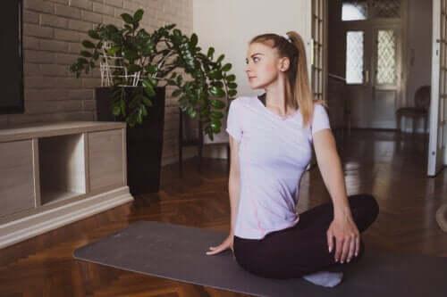 3 posturas de ioga para relaxar a tensão cervical