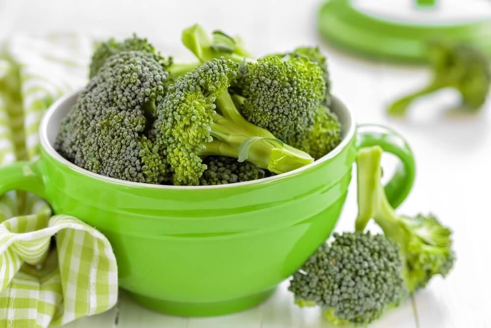 Prepare um jantar leve com estas 4 receitas com brócolis