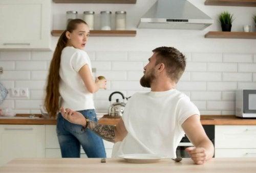 Como reconhecer relacionamentos abusivos