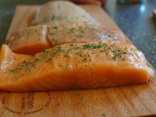 Receita com hortelã e salmão