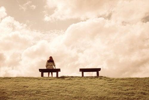 4 motivos pelos quais nos sentimos sozinhos e como superá-los