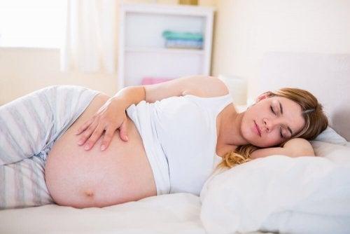 Por que temos tanto sono na gravidez?