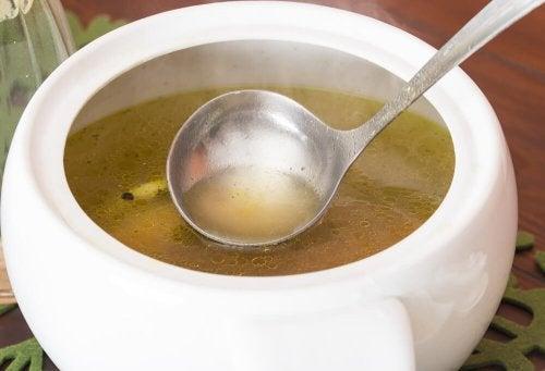Descubra esta sopa de repolho perfeita para a dieta