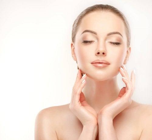 Teste estes incríveis exercícios para tonificar o rosto