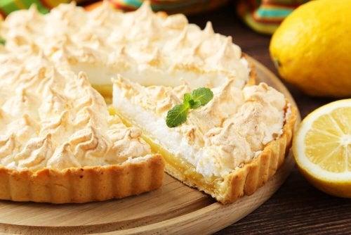Faça rocambole de limão merengado com essa receita prática