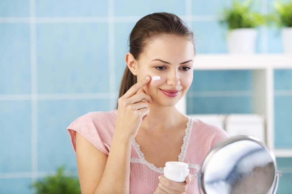 4 cremes para usar à noite que ajudarão sua pele a ficar perfeita