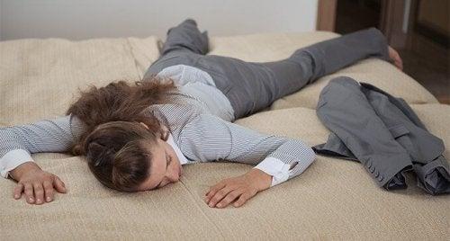 5 hábitos noturnos para aliviar a sensação de cansaço