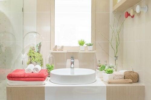 5 ideias para decorar o banheiro com material reciclado