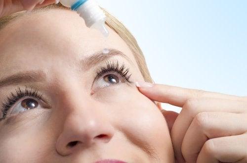 6 remédios alternativos e naturais para curar o ressecamento ocular