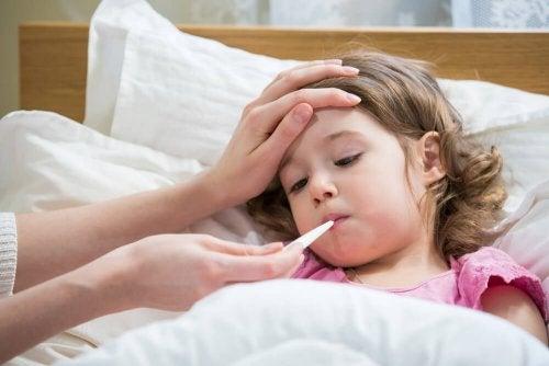 A tosse seca em crianças pode dar febre