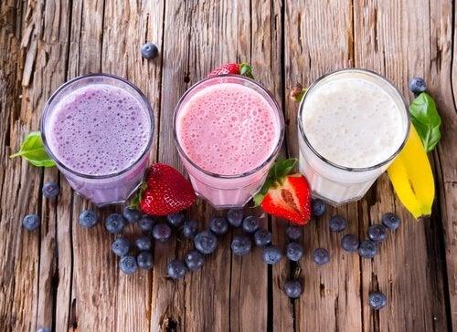 Sucos de fruta não cítricas para curar a tosse seca em crianças
