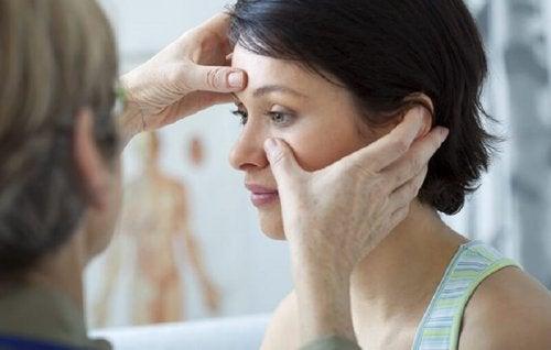 Os pólipos nasais podem ser detectados com um exame visual