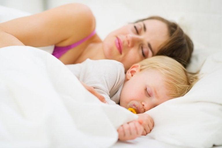 Como ensinar o bebê a dormir a noite toda