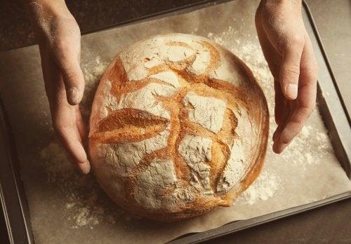 Como fazer um pão sem amassar e sem glúten?