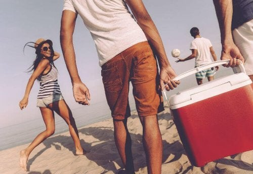 Não se esqueça de levar essas 6 coisas à praia: alimento