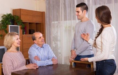 Medo de apresentar o namorado aos pais