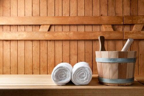 Complemente sua dieta para depurar seu corpo indo a um sauna