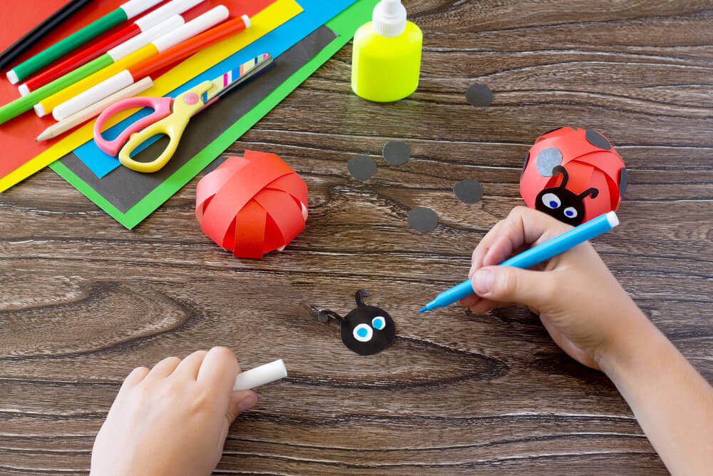 5 trabalhos manuais para crianças em idade pré-escolar