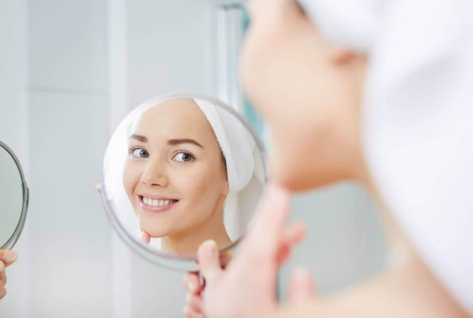 5 passos para fazer um autoexame da pele