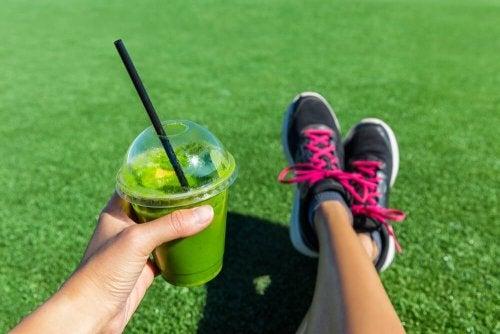 Dieta vegana para atletas à base de sucos