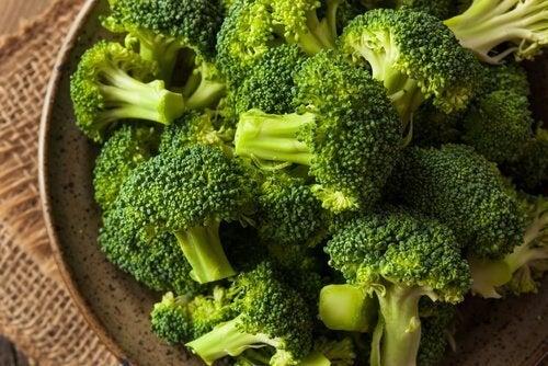 Alimentos baixos em carboidratos: brócolis