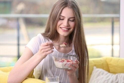 5 cafés da manhã saudáveis e equilibrados para te ajudar a perder peso