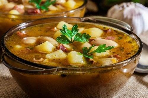 Delicioso ensopado galego. Aprenda a fazê-lo!