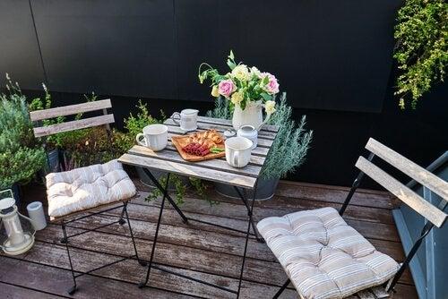 4 ideias para decorar o terraço com um estilo romântico