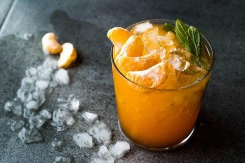 Delicioso mojito de tangerina para combater o calor