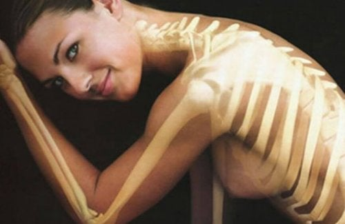 A vitamina D ajuda a fortalecer os ossos