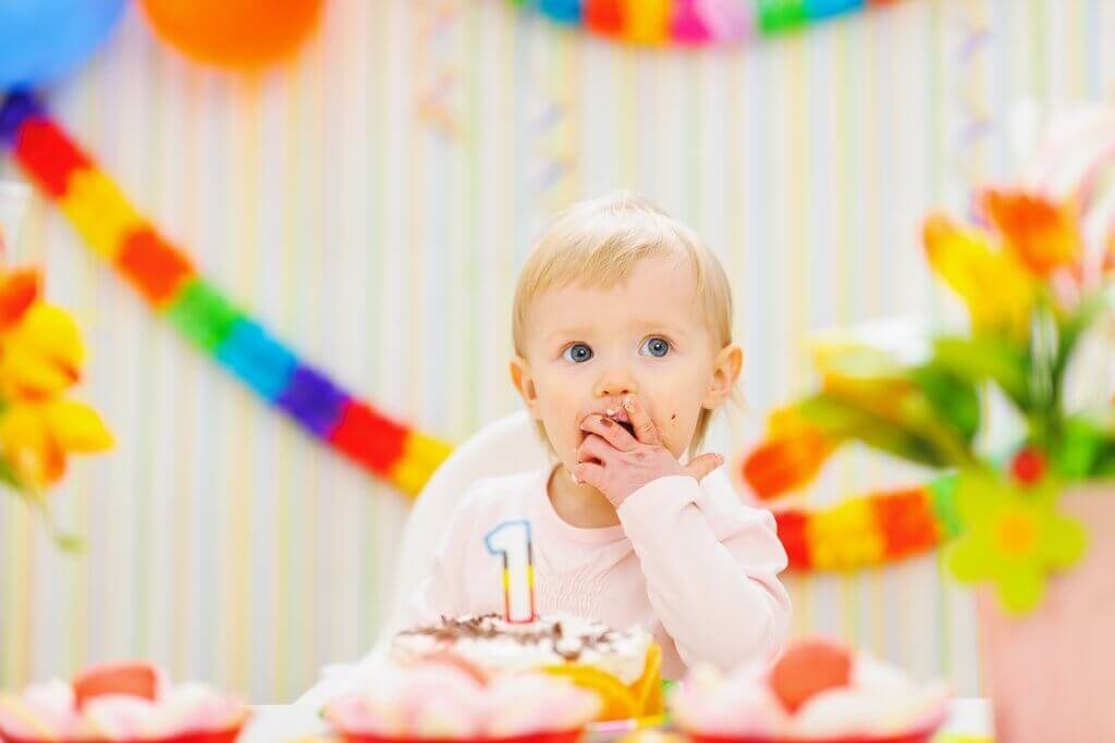 Bebê em festa de aniversário