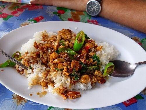 Enchilada de frango com arroz
