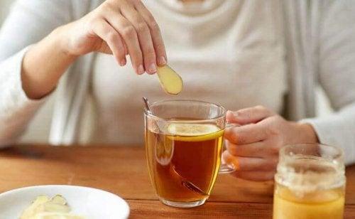 Na dieta para depurar seu corpo pode incluir infusões