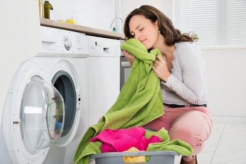 Como eliminar o mau cheiro das toalhas