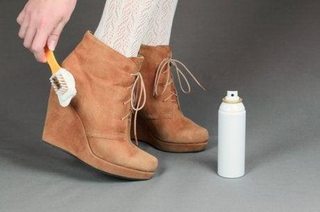 Aprenda a limpar cada tipo de sapato