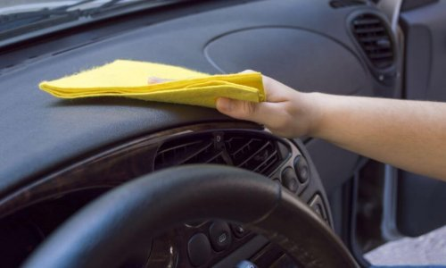 Para manter o carro sempre limpo basta passar um pano todos os dias