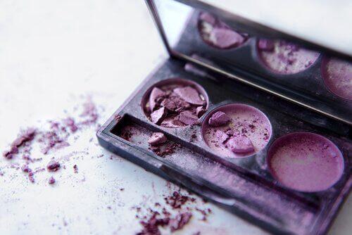 5 maneiras de consertar uma maquiagem quebrada