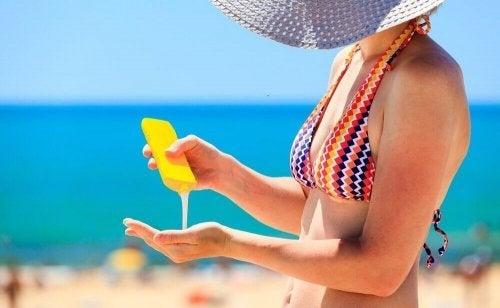 Não se esqueça de levar essas 6 coisas à praia