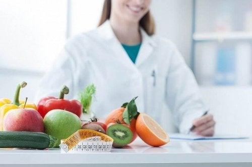 É bom consultar um especialista para saber o que comer
