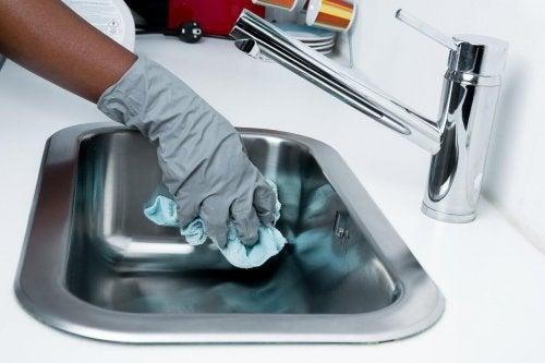 Objetos domésticos que acumulam bactérias